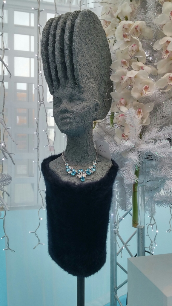 aphrodite or nefertiti necklace?